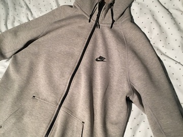 Till salu: Nike Tech Fleece Grå